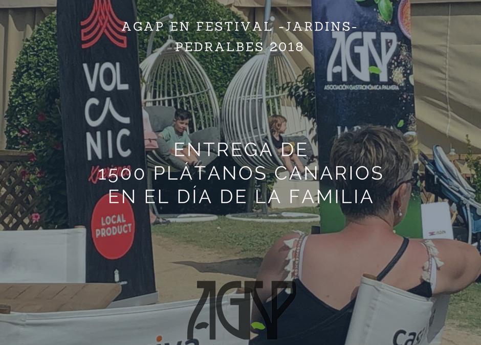 AGAP reparte 1500 plátanos canarios en el Festival de Pedralbes de Barcelona